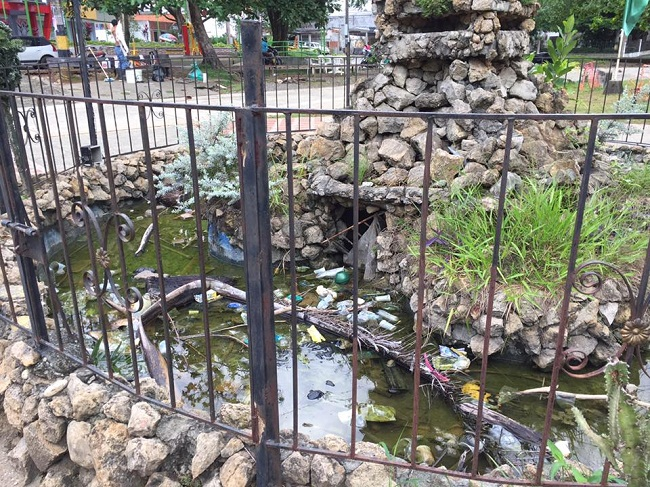 Parque de las Banderas en deterioro