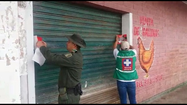 algunos establecimientos de la Plaza de Mercado de Caucasia fueron sellados. Foto: Policía Ambiental